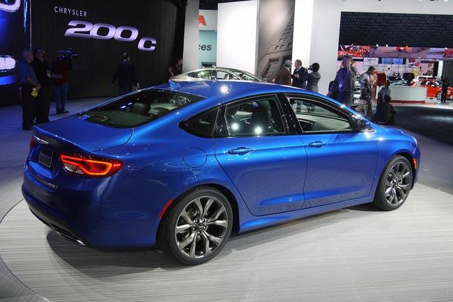 Chrysler 200 2015 chính thức trình làng với diện mạo mới 6