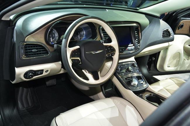 Chrysler 200 2015 chính thức trình làng với diện mạo mới 12