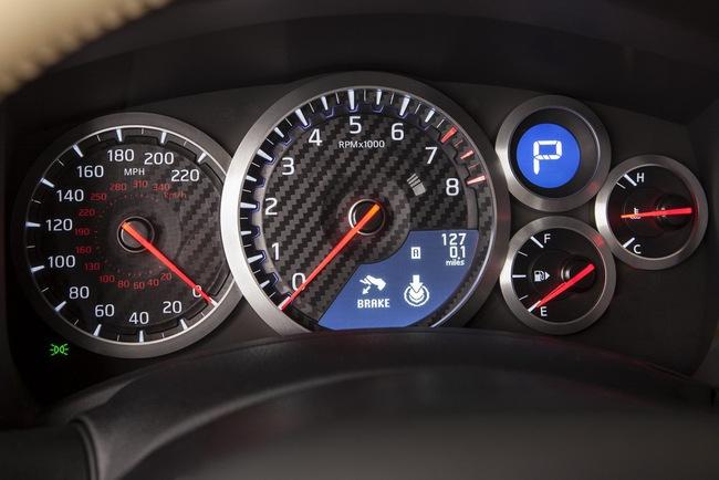 Nissan GT-R 2015 có giá từ 101.770 USD 8