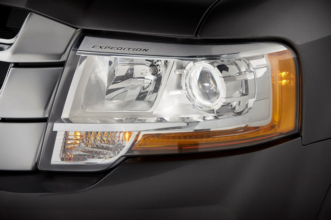 Ford Expedition - Phiên bản giá rẻ của Lincoln Navigator 11