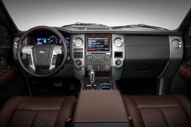 Ford Expedition - Phiên bản giá rẻ của Lincoln Navigator 14