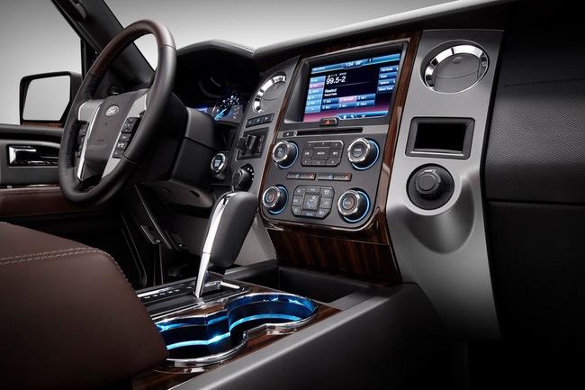 Ford Expedition - Phiên bản giá rẻ của Lincoln Navigator 16