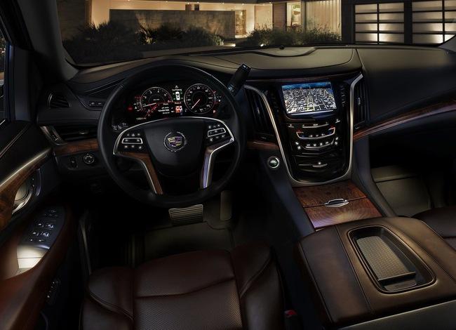 Cadillac Escalade 2015 có giá từ 72.690 USD 5