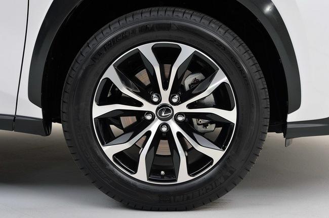Lexus NX chính thức trình làng 16