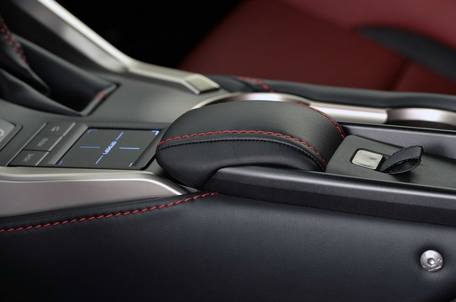 Lexus NX chính thức trình làng 30
