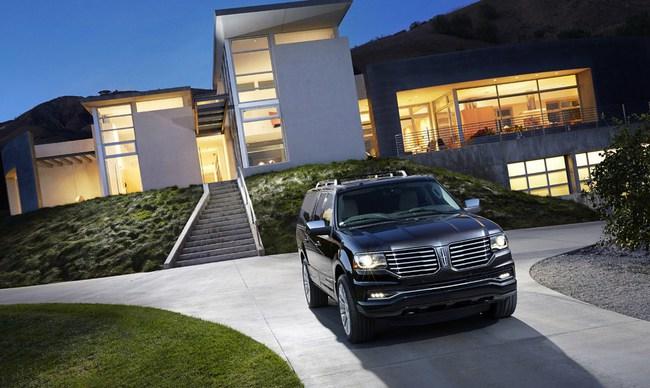 Xế sang Lincoln Navigator 2015 có giá khởi điểm 62.475 USD 7