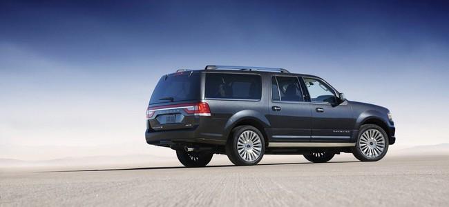 Xế sang Lincoln Navigator 2015 có giá khởi điểm 62.475 USD 9