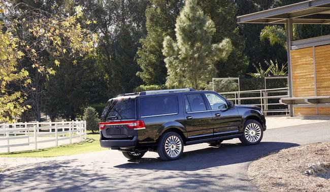 Xế sang Lincoln Navigator 2015 có giá khởi điểm 62.475 USD 10