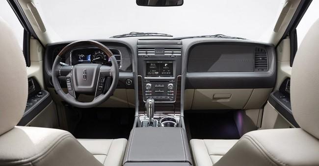 Xế sang Lincoln Navigator 2015 có giá khởi điểm 62.475 USD 12