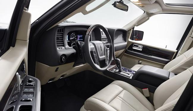 Xế sang Lincoln Navigator 2015 có giá khởi điểm 62.475 USD 14