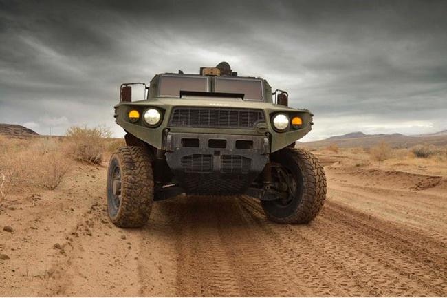 Quân đội Mỹ thử nghiệm xe hybrid thay thế HUMVEE 2
