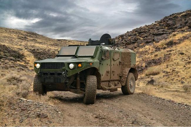 Quân đội Mỹ thử nghiệm xe hybrid thay thế HUMVEE 3