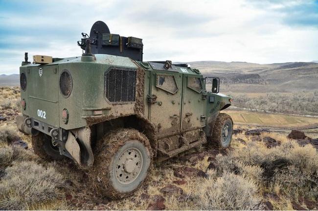Quân đội Mỹ thử nghiệm xe hybrid thay thế HUMVEE 5
