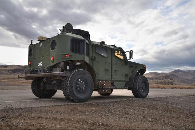 Quân đội Mỹ thử nghiệm xe hybrid thay thế HUMVEE 11