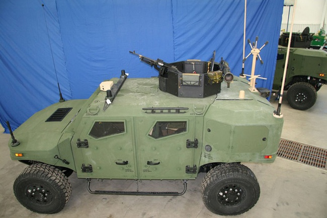 Quân đội Mỹ thử nghiệm xe hybrid thay thế HUMVEE 17