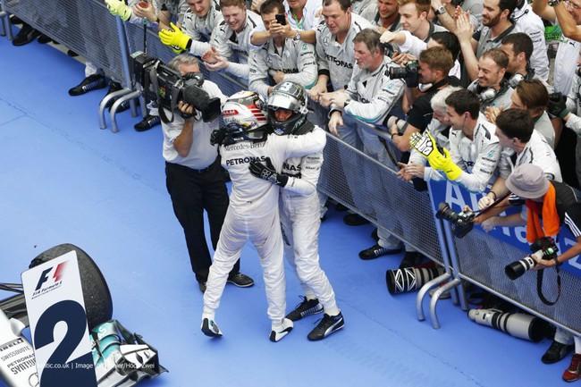 Malaysian Grand Prix: Mercedes tiếp tục phô trương sức mạnh 2