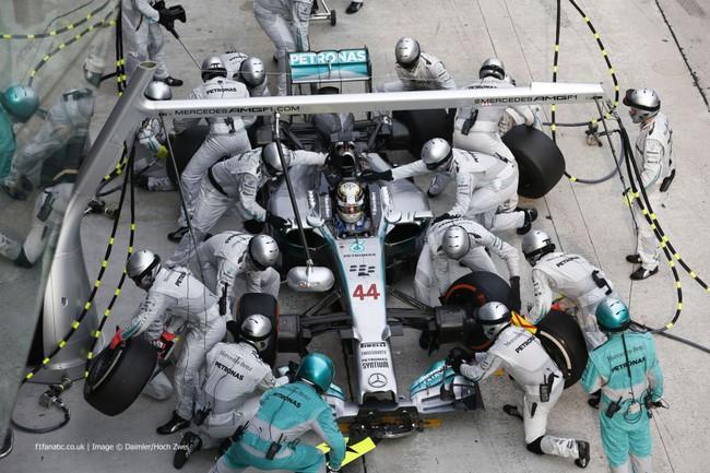 Malaysian Grand Prix: Mercedes tiếp tục phô trương sức mạnh 6