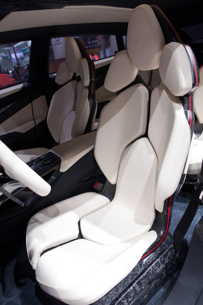 """""""Siêu"""" SUV Lamborghini Urus bị lùi ngày ra mắt 7"""