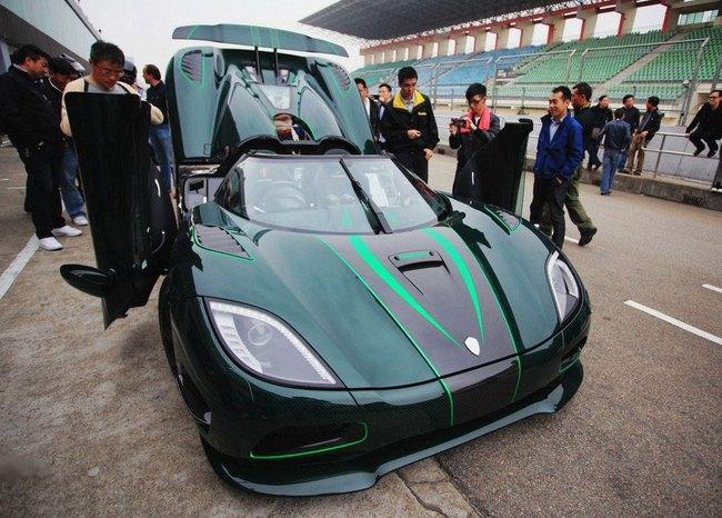 """""""Tàu siêu tốc"""" Koenigsegg Agera S lên đường đua 1"""