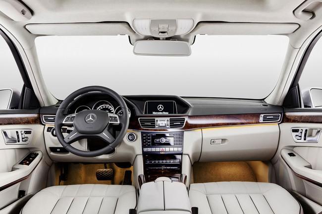 Mercedes-Benz E-Class phiên bản kéo dài lộ diện 5