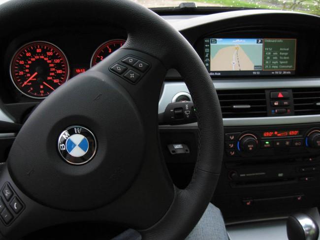 Xe BMW và Mercedes-Benz bị điều tra vì gây hại sức khỏe 1