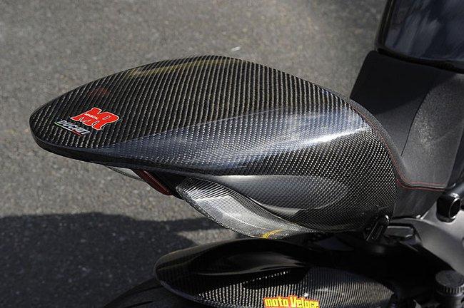 Ducati Diavel độ toàn carbon cực hầm hố 6