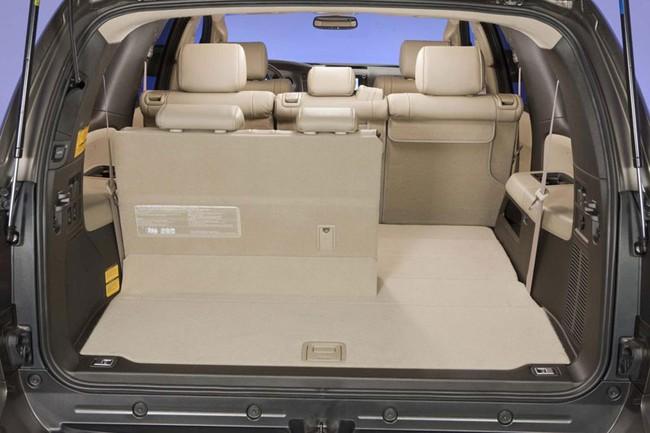 Toyota Sequoia 2014: Nhấn vào hệ thống thông tin giải trí 4