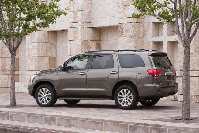 Toyota Sequoia 2014: Nhấn vào hệ thống thông tin giải trí 2
