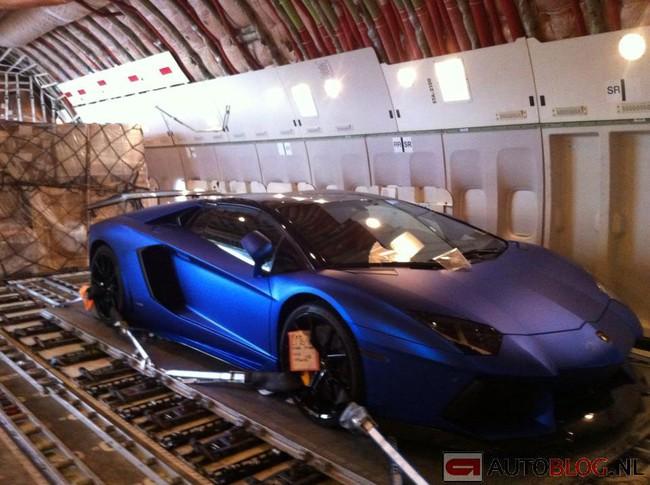 """Bắt gặp """"ông hoàng"""" Bugatti Veyron 1.500 mã lực 5"""