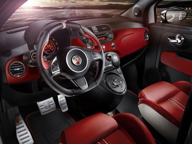 Cặp đôi Fiat 500 Abarth phiên bản đặc biệt mới 11