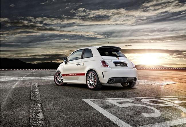 Cặp đôi Fiat 500 Abarth phiên bản đặc biệt mới 4