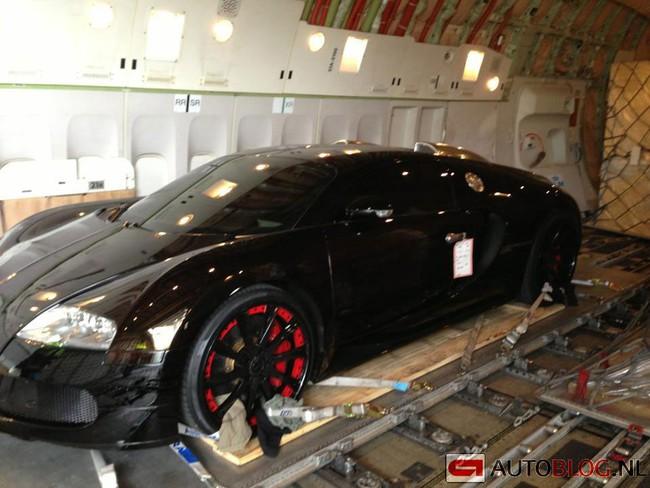 """Bắt gặp """"ông hoàng"""" Bugatti Veyron 1.500 mã lực 1"""