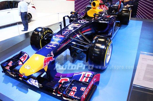 """VMS 2013: Infiniti Red Bull Q100 - """"Người lạ"""" giữa rừng xe nhập khẩu 1"""