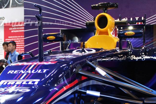 """VMS 2013: Infiniti Red Bull Q100 - """"Người lạ"""" giữa rừng xe nhập khẩu 6"""