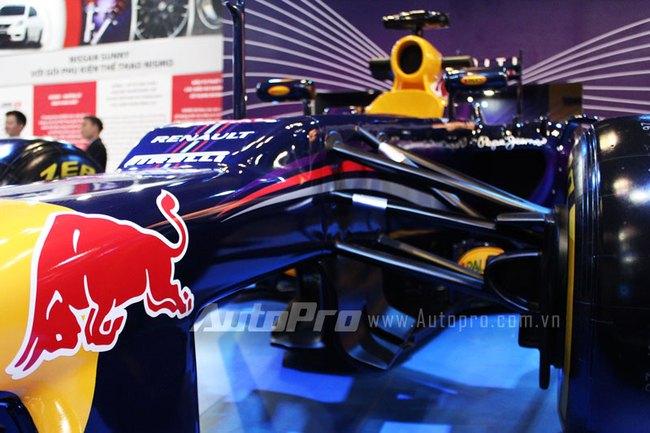 """VMS 2013: Infiniti Red Bull Q100 - """"Người lạ"""" giữa rừng xe nhập khẩu 5"""