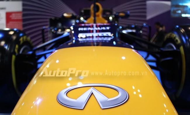 """VMS 2013: Infiniti Red Bull Q100 - """"Người lạ"""" giữa rừng xe nhập khẩu 3"""
