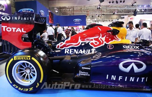 """VMS 2013: Infiniti Red Bull Q100 - """"Người lạ"""" giữa rừng xe nhập khẩu 7"""