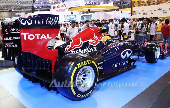 """VMS 2013: Infiniti Red Bull Q100 - """"Người lạ"""" giữa rừng xe nhập khẩu 8"""