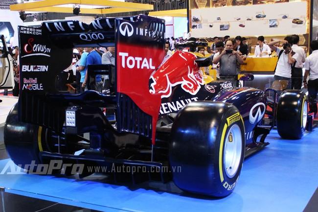 """VMS 2013: Infiniti Red Bull Q100 - """"Người lạ"""" giữa rừng xe nhập khẩu 9"""