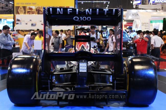 """VMS 2013: Infiniti Red Bull Q100 - """"Người lạ"""" giữa rừng xe nhập khẩu 10"""