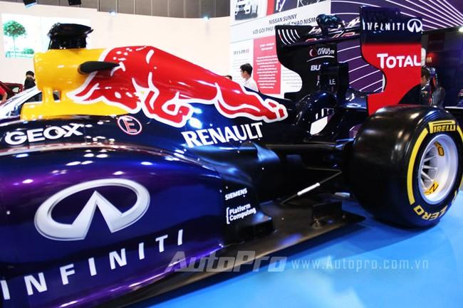 """VMS 2013: Infiniti Red Bull Q100 - """"Người lạ"""" giữa rừng xe nhập khẩu 12"""