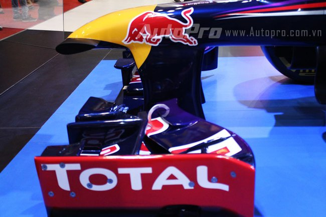 """VMS 2013: Infiniti Red Bull Q100 - """"Người lạ"""" giữa rừng xe nhập khẩu 13"""