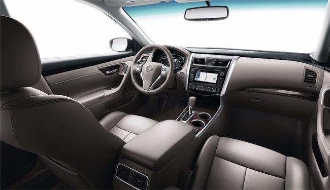 Nissan Teana mới ra mắt tại Triển lãm Ôtô Việt Nam 2013 3