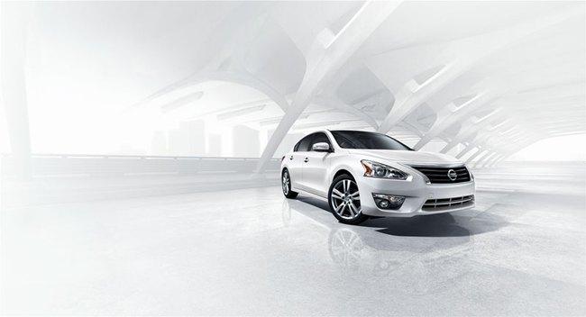 Nissan Teana mới ra mắt tại Triển lãm Ôtô Việt Nam 2013 1