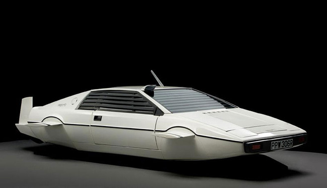 Giám đốc Tesla chi 866.000 USD mua xe hơi-tàu ngầm James Bond 3