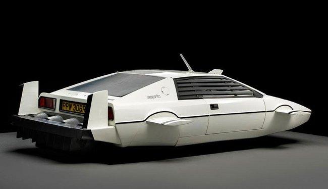 Giám đốc Tesla chi 866.000 USD mua xe hơi-tàu ngầm James Bond 5