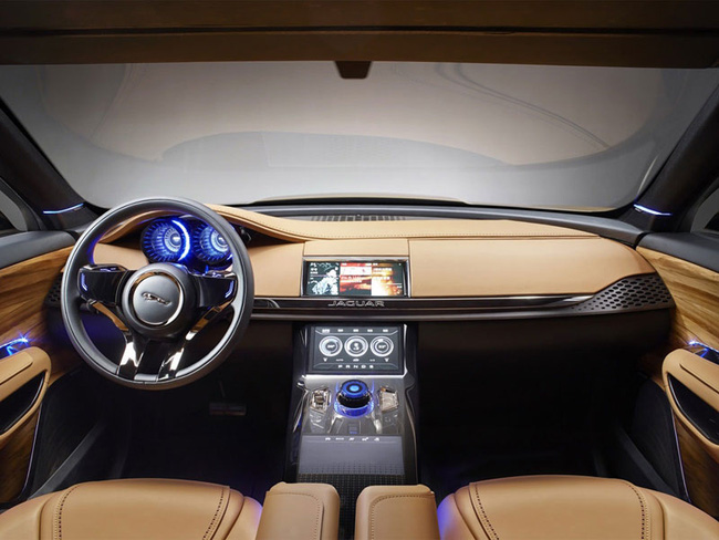 Jaguar C-X17 nâng  cấp với nội thất 5 chỗ ngồi 3