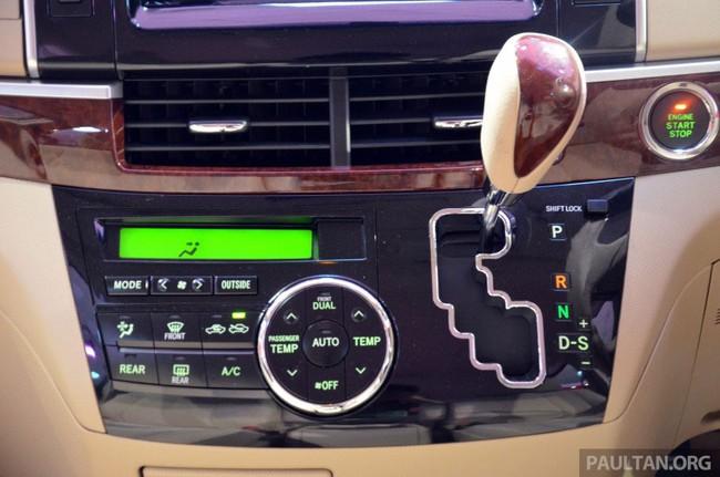 Cận cảnh Toyota Previa dùng máy Camry cũ cho Đông Nam Á 14