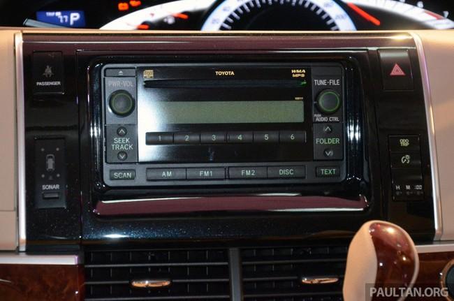 Cận cảnh Toyota Previa dùng máy Camry cũ cho Đông Nam Á 13