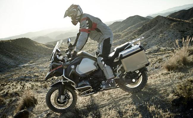 BMW công bố giá hàng loạt môtô đời mới 3
